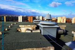 szellőző nyílás a tetőn